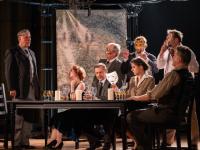 Ajándék páros belépő az Udvari Kamaraszínház Fehér Szarvas című darabjára 2019. október 30-án 19 órától a Duna Palotában!