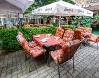Házias ételekkel, magyaros specialitásokkal, folyamatosan megújuló választékkal várja vendégeit a Tinódi Étterem Sárváron!